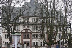 Louise von Rothschild Schule