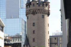1_003-Eschenheimer-Turm-IMG_9971_cr