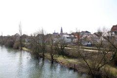 Blick vom Steg auf Fechenheim