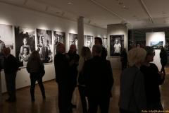 3-Blick-in-die-Ausstellung-IMG_5915_cr_800-Sign