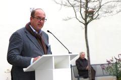 001-IMG_2110-Börries-von-Notz-Direktor-Stiftung-Nantesbuch_cr_800-Sign